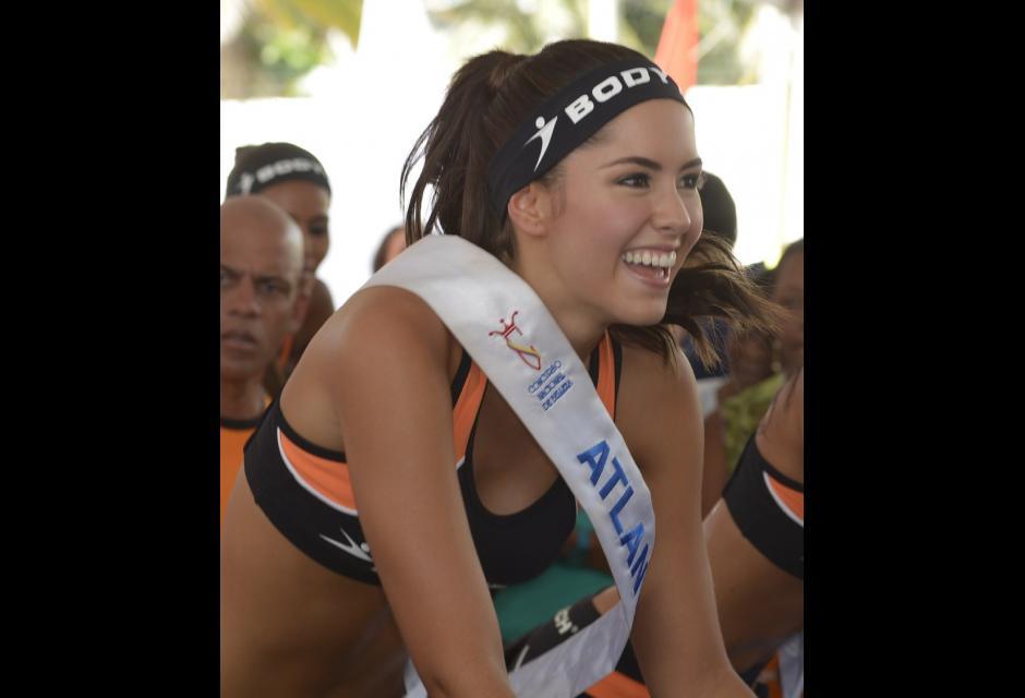Elección de figura Bodytech, cuando era candidata a Señorita Colombia. Desfile en Contecar. paulina vega dieppa
