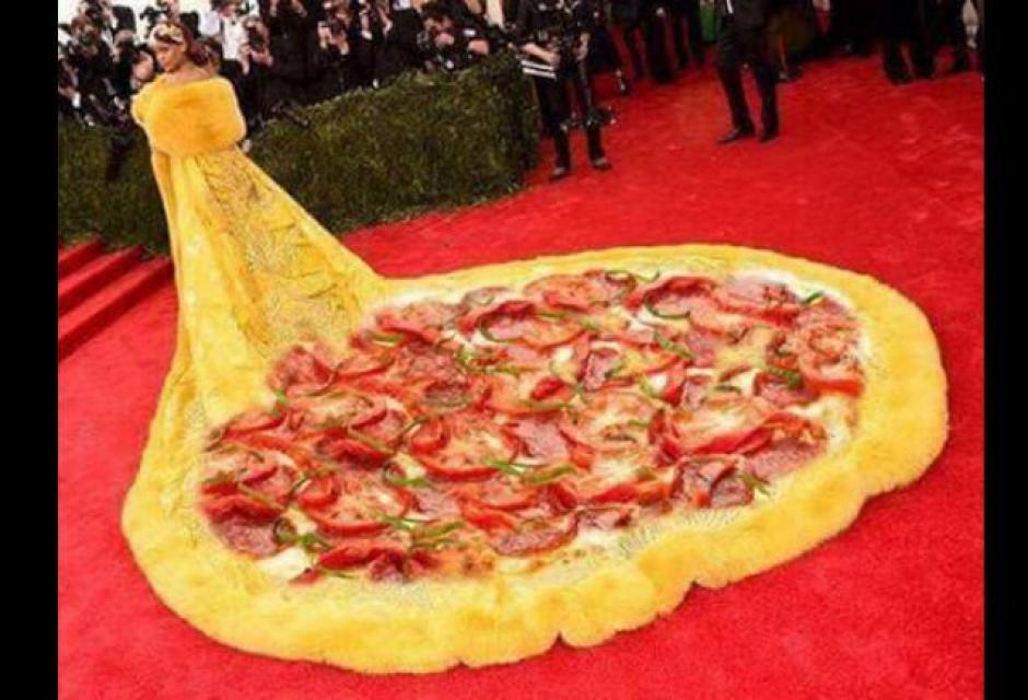 Memes del vestido de Rihanna.