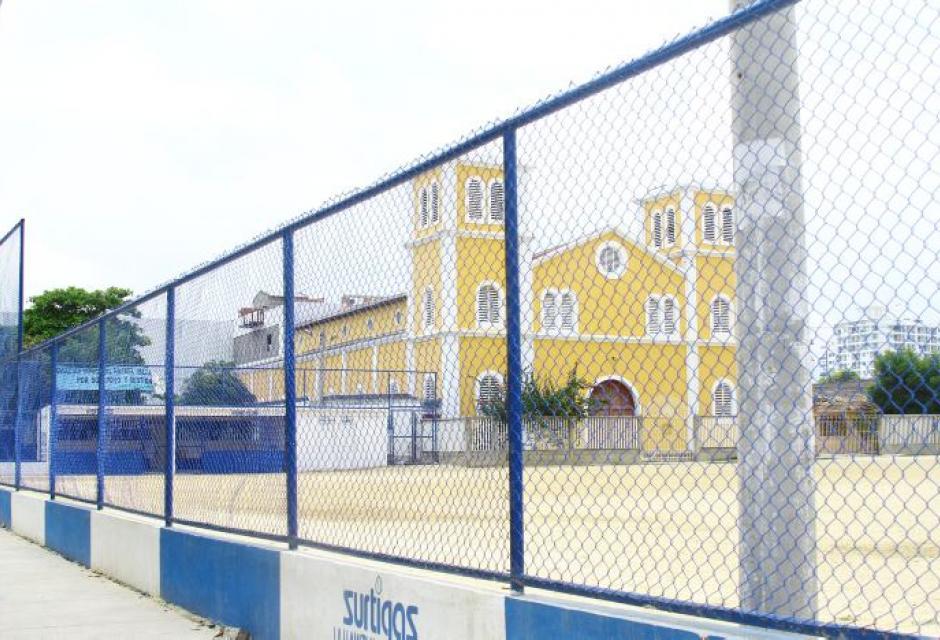 Cancha de sóftbol en Canapote