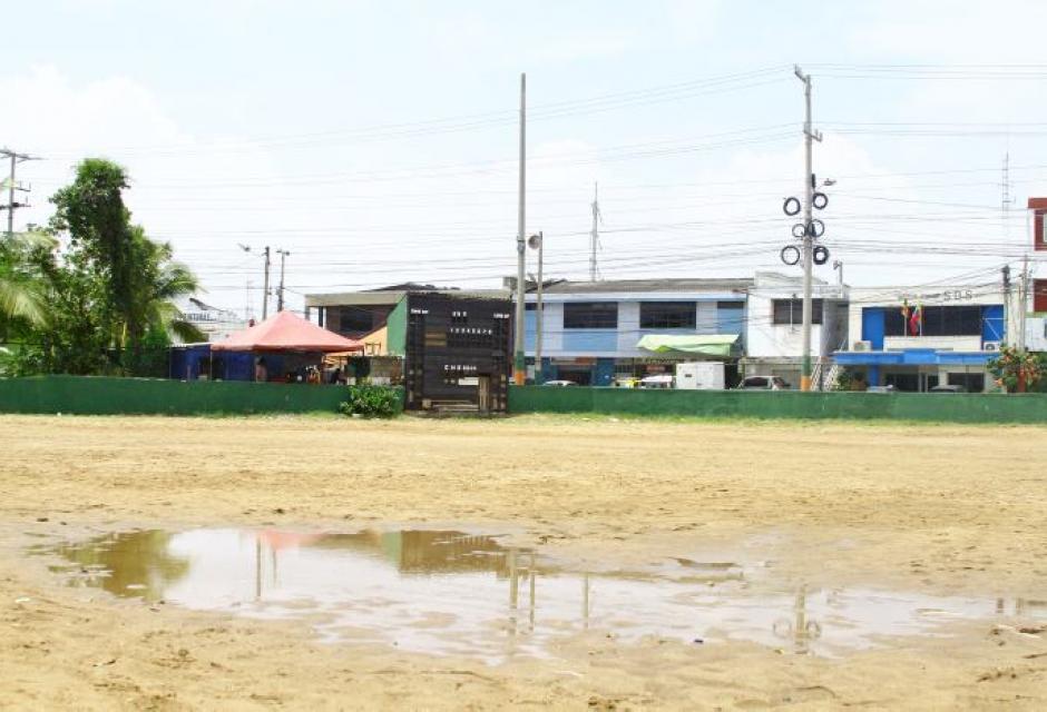 Cancha de sóftbol en el barrio Martínez Martelo