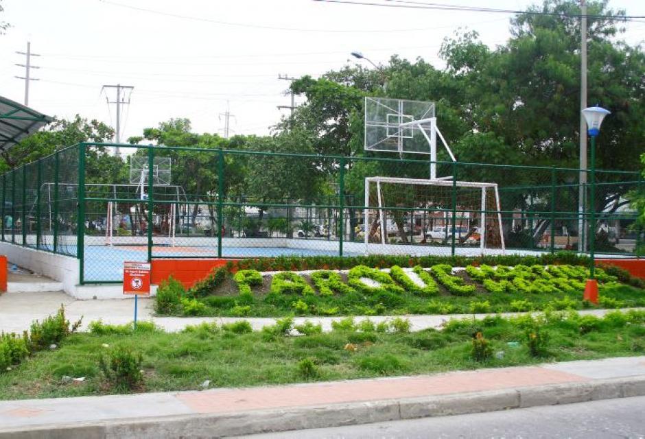 Cancha múltiple en el barrio Martínez Martelo