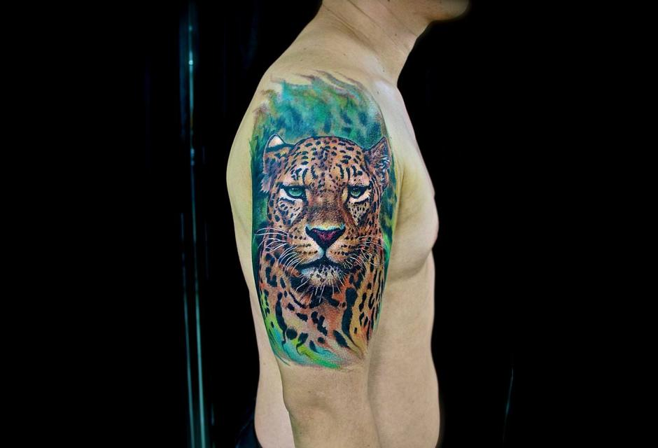Tatuaje de Evalo Valencia.