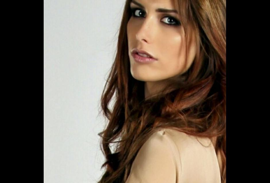 Ángela Ponce.