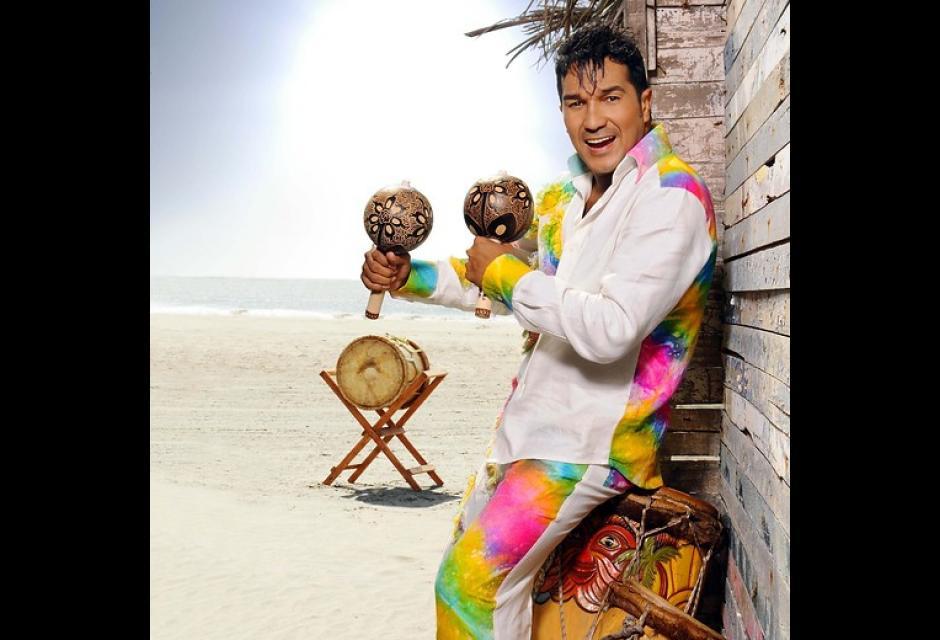 Checo Acosta: Mejor álbum de música tropical tradicional ('#siguedemoda')