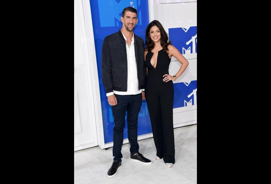 Michael Phelps y su prometida Nicole Johnson.