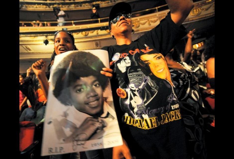No cesan las manifestaciones de amor por la muerte de Michael Jackson.