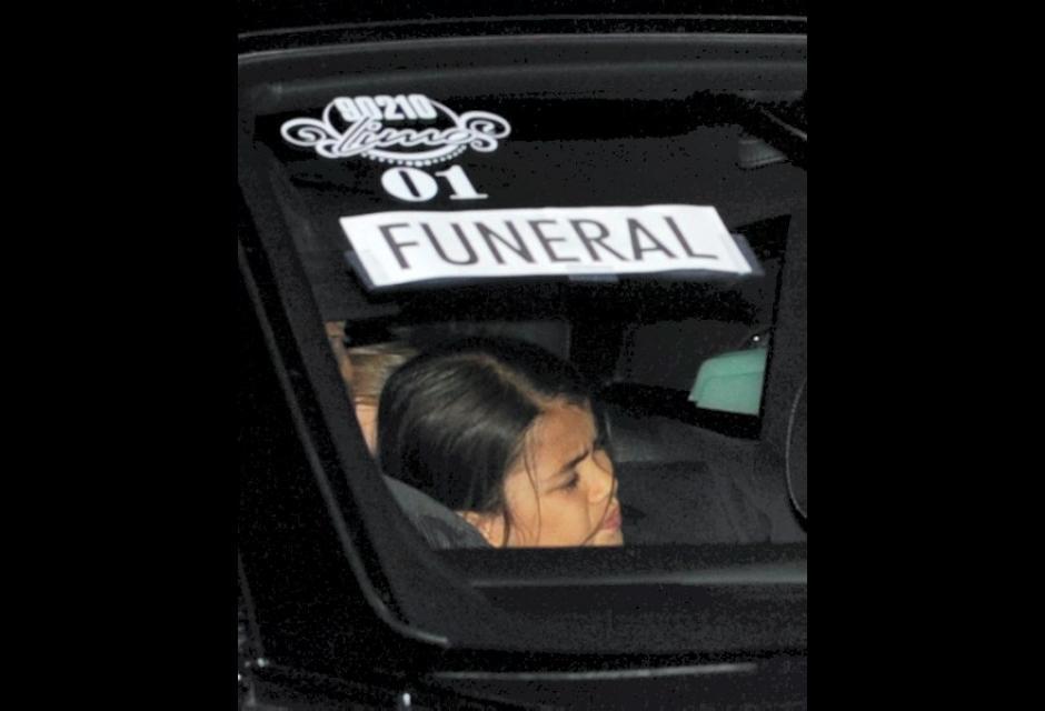 Prince Michael II, el hijo menor de Jackson, mientras llegaba al funeral.
