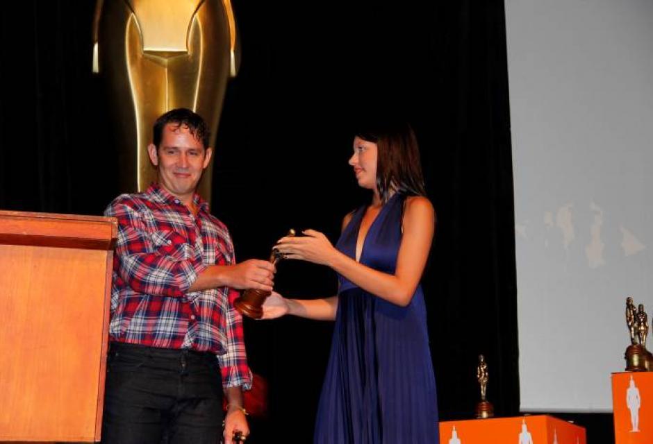 Aly Nuritiba, ganó un India con el cortometraje 'La Fábrica'.
