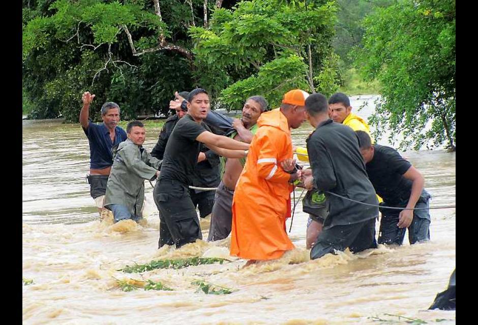 Varios afectados han quedado atrapados por las aguas