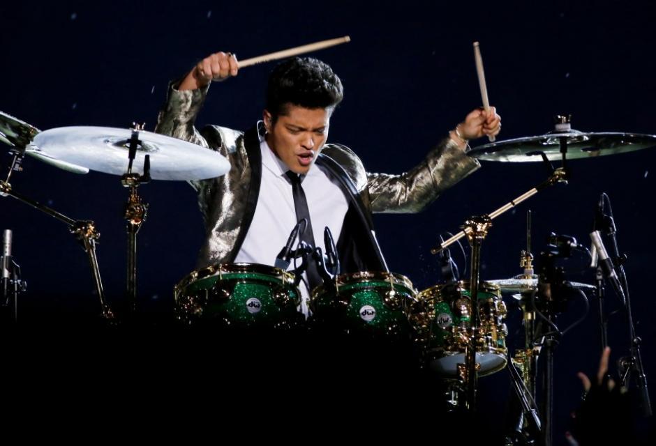 Bruno Mars en el Super Bowl