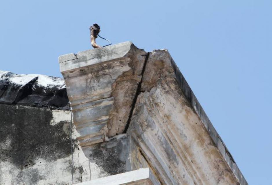 Cornisas y balcones en estado de deterioro