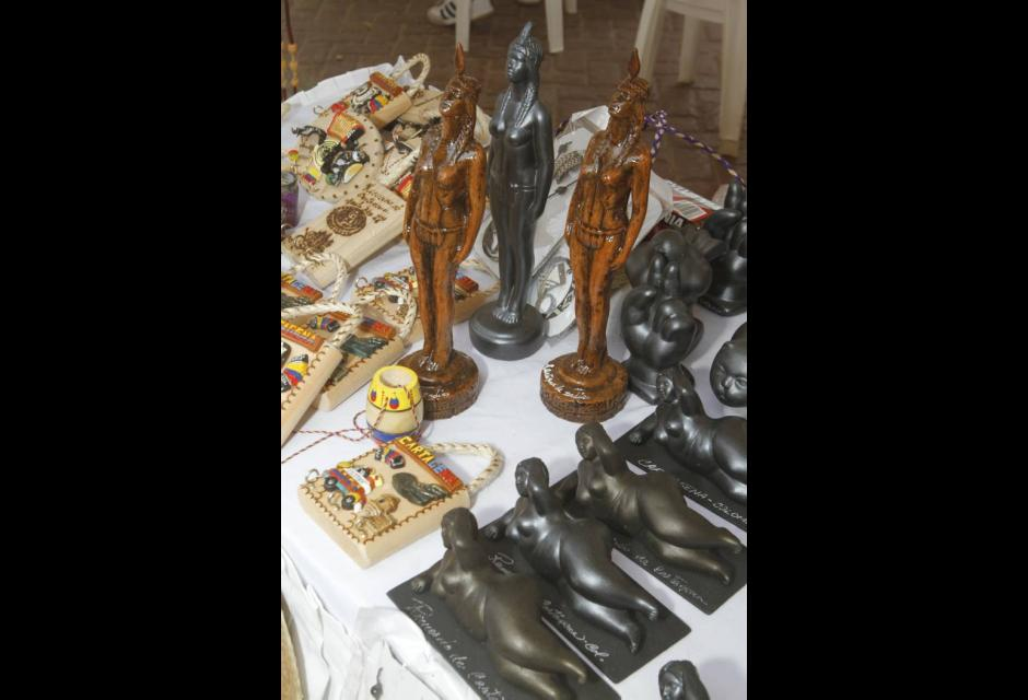 Feria Artesanal en la Plaza de la Aduana