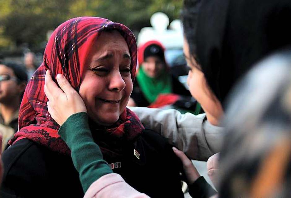 La noticia llegó luego de una foto de Gadafi herido en Sirte