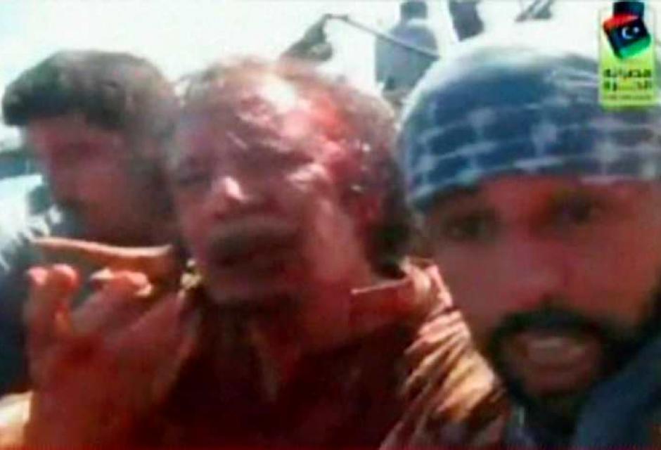 Un hombre poderoso muere y cambia la historia de Libia