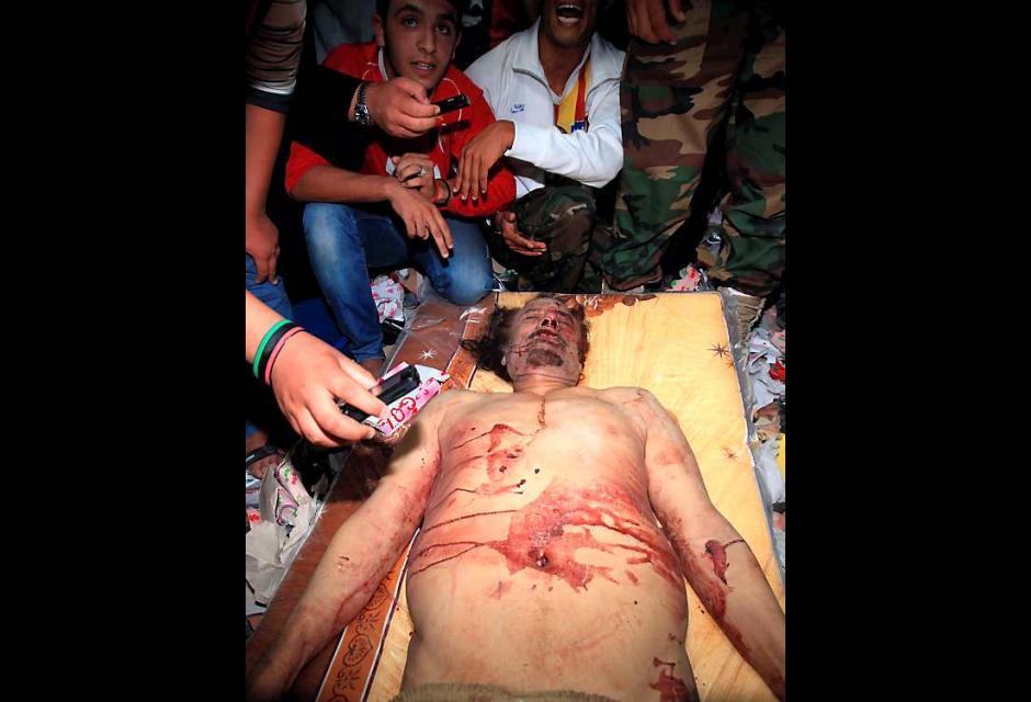 Libios fotografían el cadáver como si se tratase de una visión