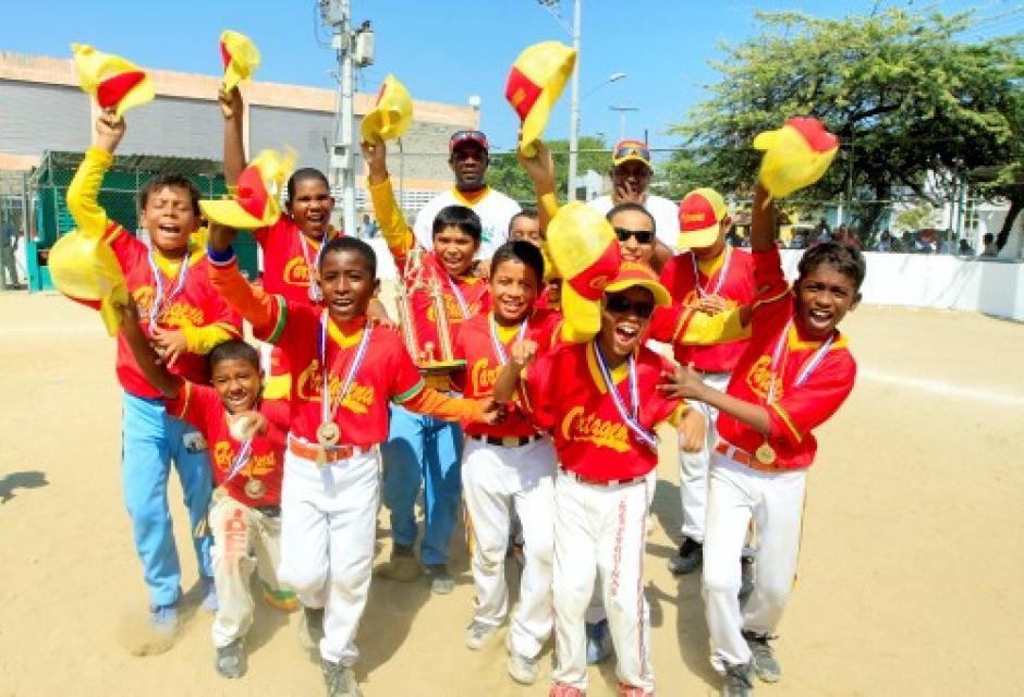 Cartagena Rojo festeja el título en Preinfantil.
