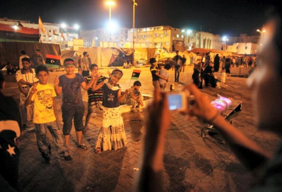 Niños libios ya celebran el fin de Gadafi