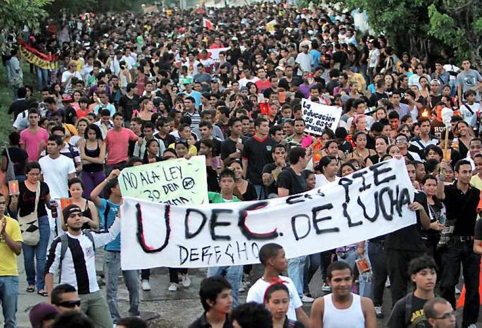 Marcha protesta reforma ley 30 de educación