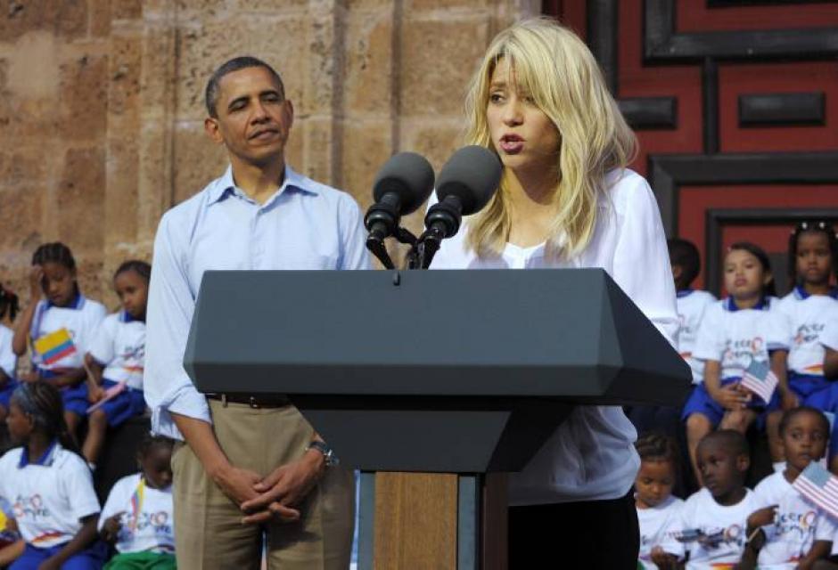 Obama y Shakira en Plaza San Pedro Claver Cartagena