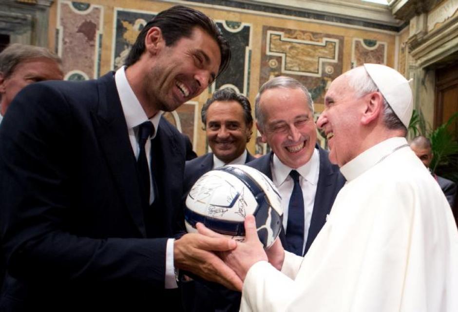 El Papa Francisco cogerá las riendas del Real Madrid la próxima temporada