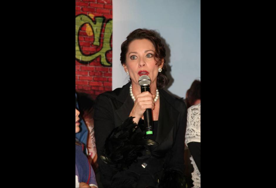 María Helena Doering es Ana Maria Fernández de Rico.