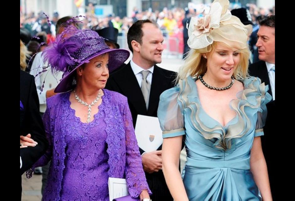 Lujoso Vestido De Novia De Kate Middleton Vuelta Molde - Ideas para ...