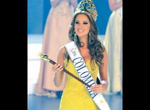 Daniela en sus primeros instantes como Señorita Colombia.