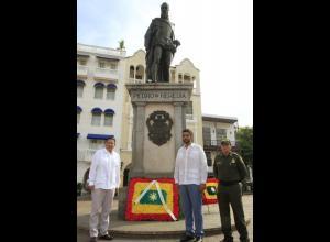 Ofrenda floral a Cartagena por sus 482 años de fundación.
