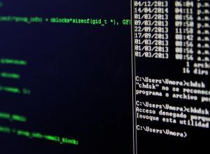 """Asegúrate de utilizar los comandos con un usuario que tenga permisos privilegiados para ejecutar las acciones correctamente. Estos permisos se obtienen en Windows usando perfiles con la etiqueta """"Administrador"""""""