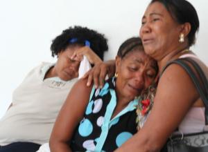 Familiares de niño de 3 años que se electrocutó en Marialabaja cuando mordió el cable de un abanico.