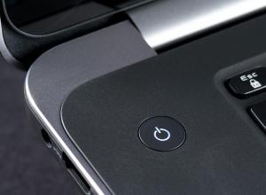 """Apagar el computador puede convertirse en un proceso doloroso sobre todo cuando el sistema operativo requiere actualizarse. Sin embargo, hay razones por las cuales el PC no debe apagarse """"A la fuerza""""."""