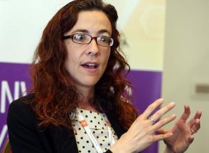 La jefa de asuntos políticos de la Agencia Espacial Europea (ESA), Christina Giannopapa, habla durante una entrevista con Efe durante la Conferencia Global sobre Aplicaciones Espaciales (GLAC 2018) que se celebra en Montevideo.