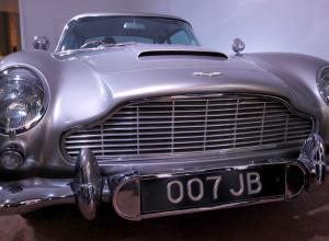 Aston Martin DB5. James Bond. Subasta.