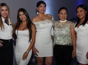 Grace Arteaga, Angélica Hernández, Rubiela Vergara, María Elena Cárdenas y Ana María Franco.