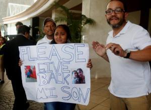 Guatemalteca exige el regreso de su hijo de 8 años, quien está en una casa hogar del Gobierno de los Estados Unidos en Houston, Texas.