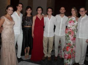María Rodríguez Vallejo, Jaime Wills Sanín, Helen Ortiz, María José Ronderos, Felipe Sáenz, Gabriel Andrade, Valentina Márquez e Iván José Velásquez.