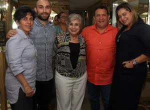Virginia Chaljub, Navib Karimi, Nancy Chaljub, Jorge Porras y Alicia Porras.