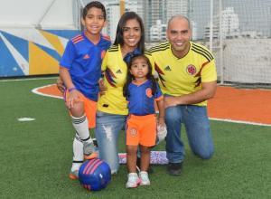 Matías May, Angélica Muñoz, Milagros y Gerardo May.