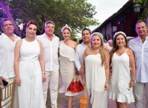Rodrigo Ibáñez, Aurora Pretelt, Jorge Tadeo Murra, Sacra Náder, José Vélez, María Luisa Faciolince, Alba Luz Gaviria y Tadeo Pereira.