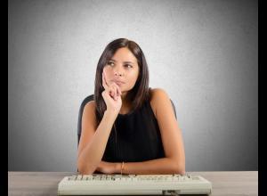 Para las mujeres que tienen periodos menstruales regulares, que en promedio duran 28 días, este es un síntoma que se manifiesta desde el primer mes de embarazo y el más claro.
