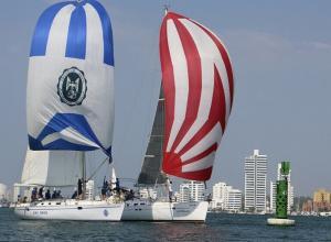 Competencia de veleros de la Armada en Cartagena