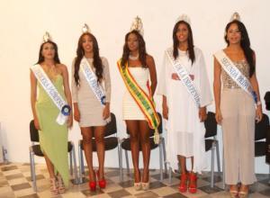 Entregan premios a las Reinas de la Independencia
