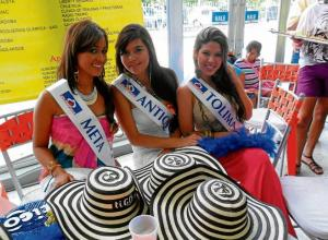Grupo de candidatas al Reinado Nacional e Internacional de la Ganadería.