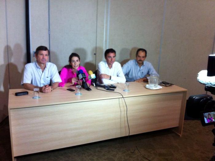 Durante una rueda de prensa miembros de Andiarios comentaron las especificaciones del traslado de los papeles.